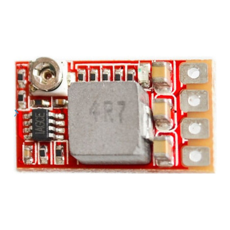 Compact switching voltage regulator